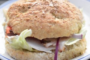 Foccacia med oregano - perfekte boller til burgere og sandwich