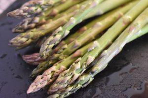Asparges i ovn eller på grill - grønne asparges