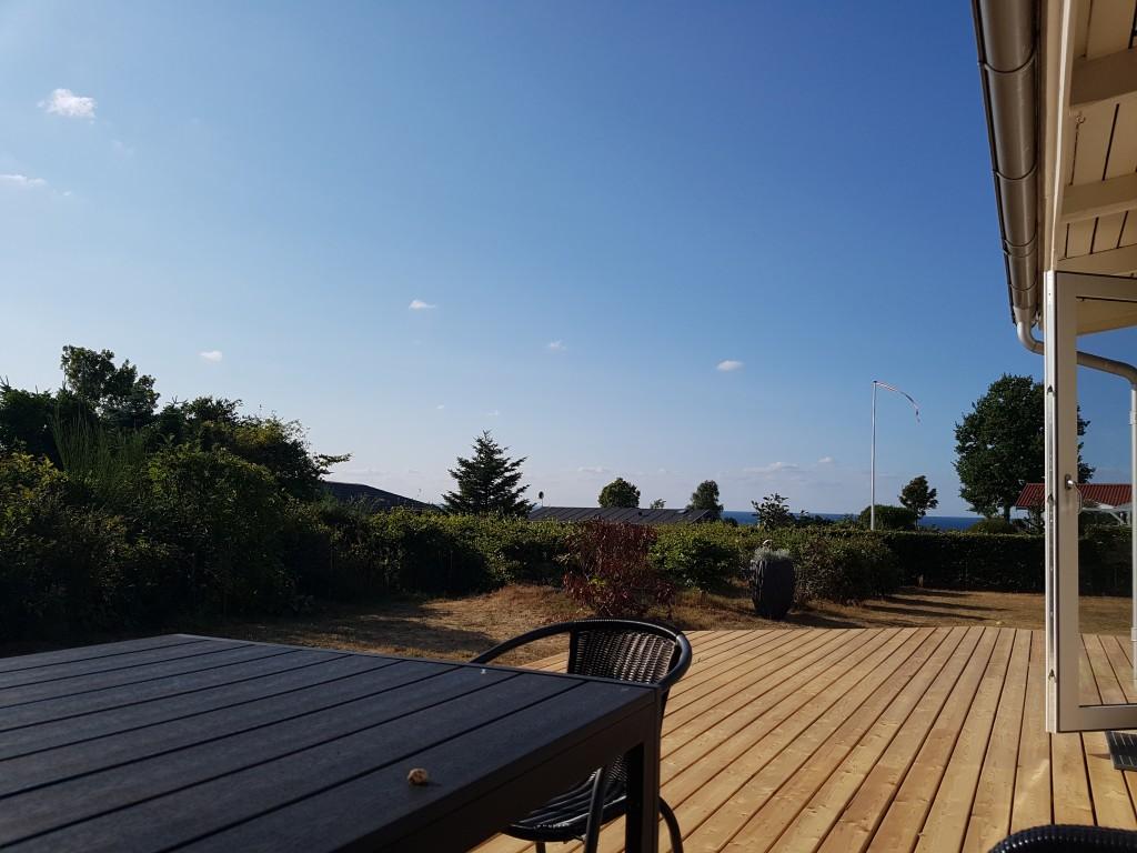 Ny terrasse i sommerhuset