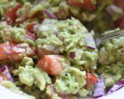 Guacamole med tomat - avocado dip opskrift