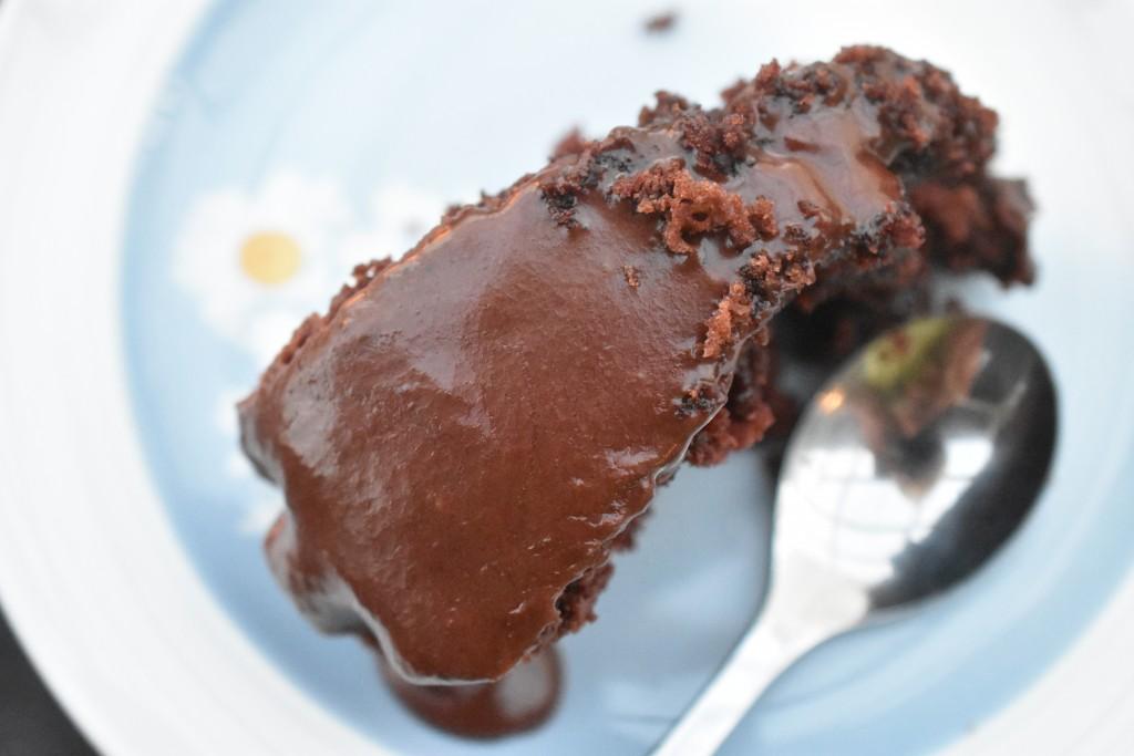 Chokoladekage med sød ganache - svampet og lækker