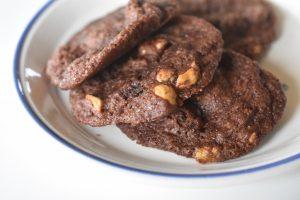 Chokolade cookies med nødder - den bedste opskrift