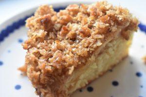 Drømmekage med æble - æblekage med kokos og havregrynstopping