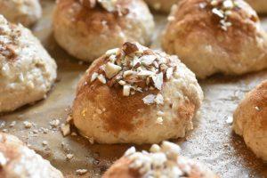 Juleboller med krydderier - gode æbleboller med rosin & marcipan