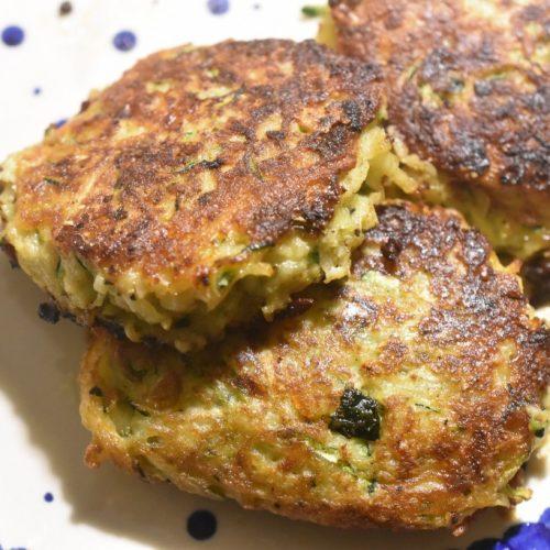 Squash frikadeller med urter & kartofler – nemme & lækre