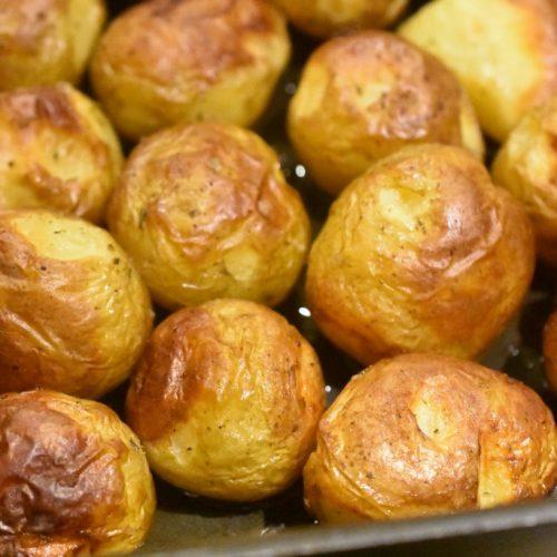 Små ovnbagte kartofler med kryddersalt – lækre og sprøde