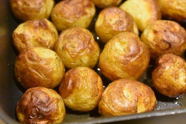 Små ovnbagte kartofler med kryddersalt - lækre og sprøde