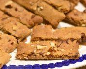 Karamelkager med mandler og chokolade