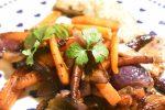 Lynstegte grøntsager med honning og stegte wienerschnitzler