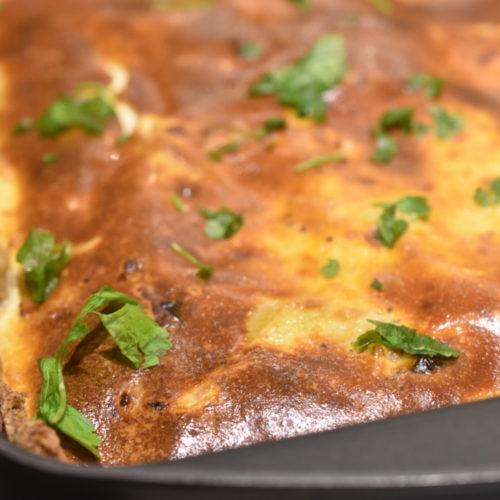 Tærte med løg og bacon – opskrift på grov tærte med rugmel