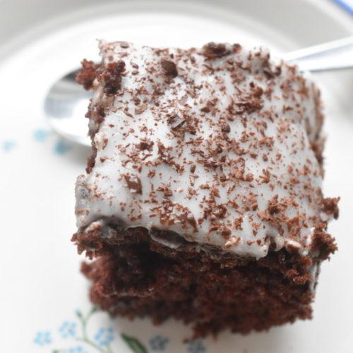 Chokoladekage med kaffe – nem opskrift på svampet chokoladekage