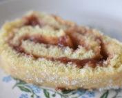 Roulade - opskrift på nem kage med syltetøj