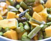 Mangosalat med grønne asparges nem salat