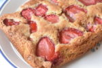 Kage med jordbær og makroner - lækker makronkage