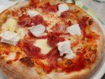 Pizza - på italiensk manér. På pizzaria i Bibbiena
