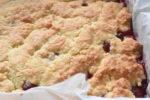 Jordbærkage med kokos - nem crumble opskrift