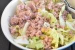 Tunsalat - nem salat med tun, rødløg og majs