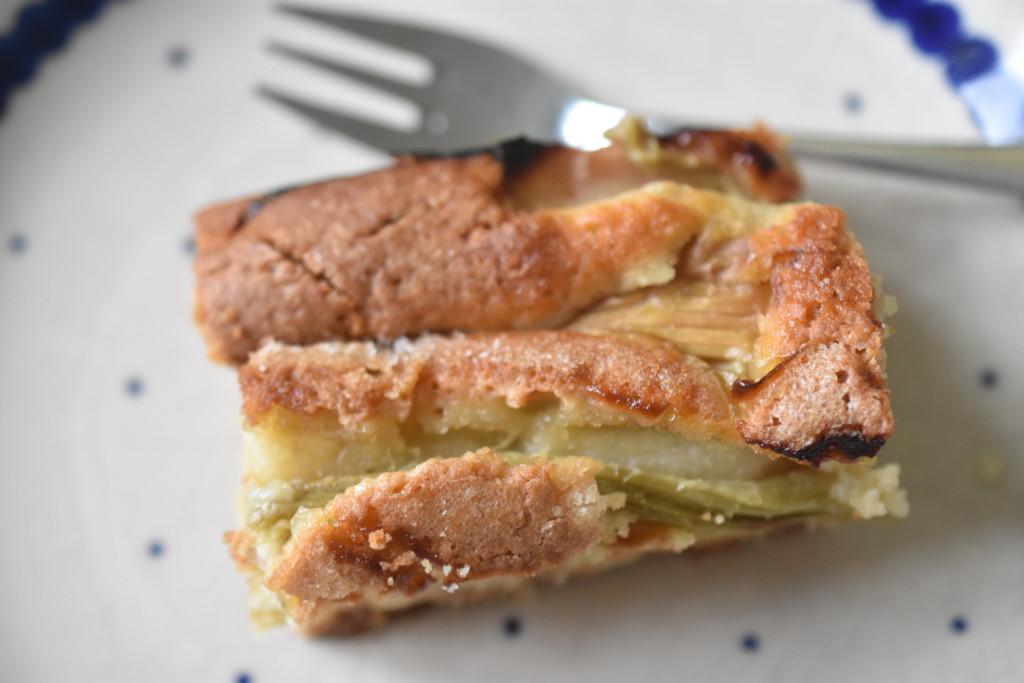 Rabarberkage - nem opskrift på lækker kage med rabarber