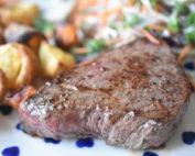Minutsteaks - steaks stegt på pande med smør