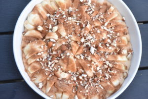 Æblekage - opskrift på kage med æble & kanel