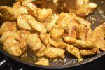 Kylling i karry - nem opskrift med kokosmælk