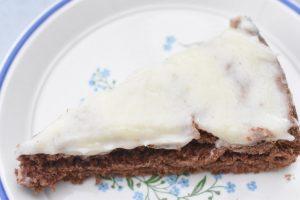 Chokoladekage med smørcreme nem opskrift
