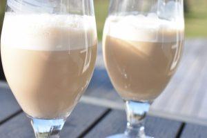 Iskaffe opskrift med vaniljeis - nem og lækker