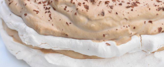Kaffeskum - flødeskum med kaffesmag til kage