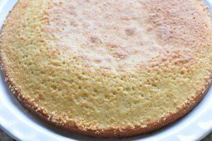 Jordbærkage med vanilje og flødeskum - nem