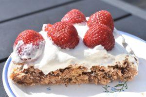 Tuc kage - opskrift med nødder og chokolade