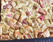 Clafoutis med rabarber - nem kage opskrift