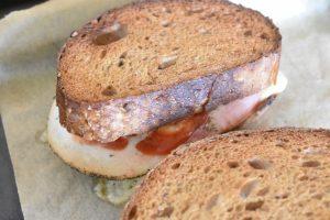 Toast - parisertoast med ost og skinke i ovn