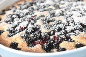 Brombærkage - god nem kage med brombær