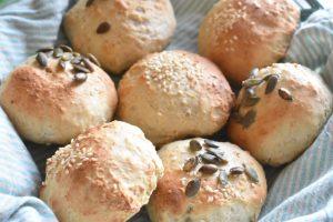 Boller uden gær - grove scones med tykmælk