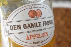 Sirupskage med smørcreme og appelsin