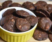 Chokolade cookies med marcipan & Amaretto