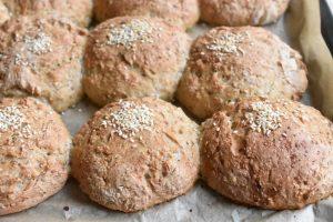 Boller med hvidøl - sprøde brød med nisseøl