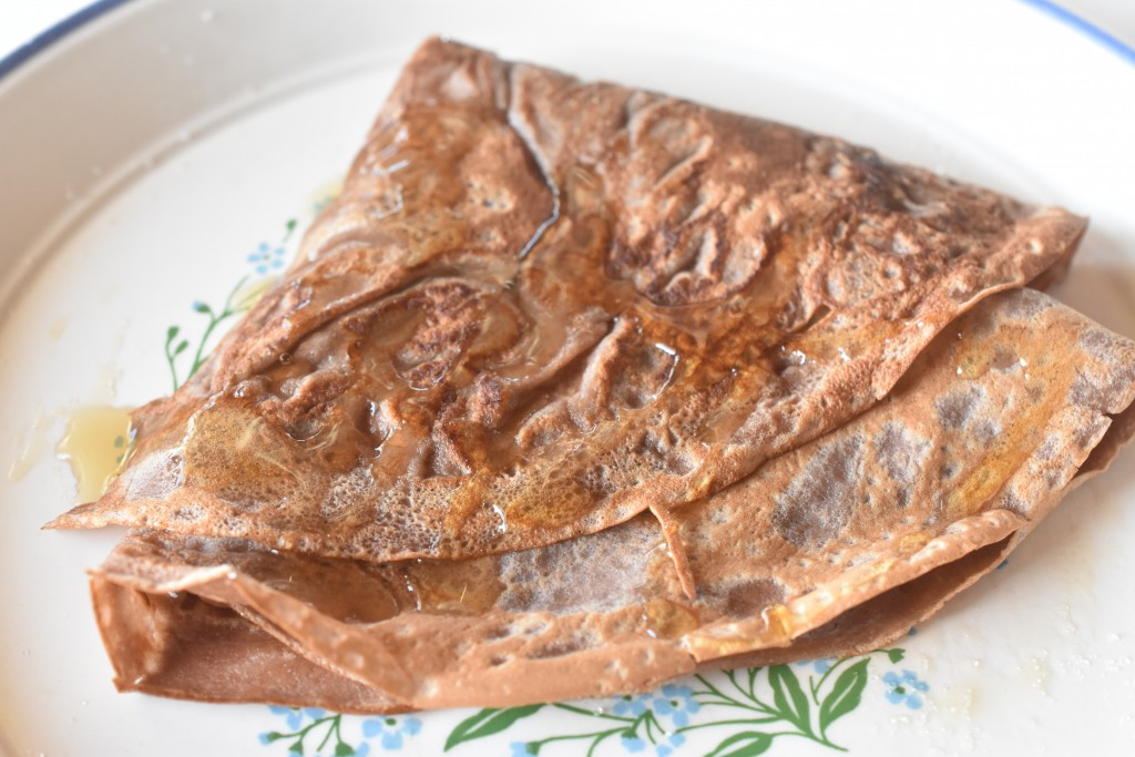 Chokolade pandekager med kakaomælk