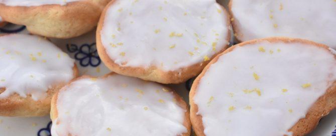 Rebildboller - små citronkager med citronglasur