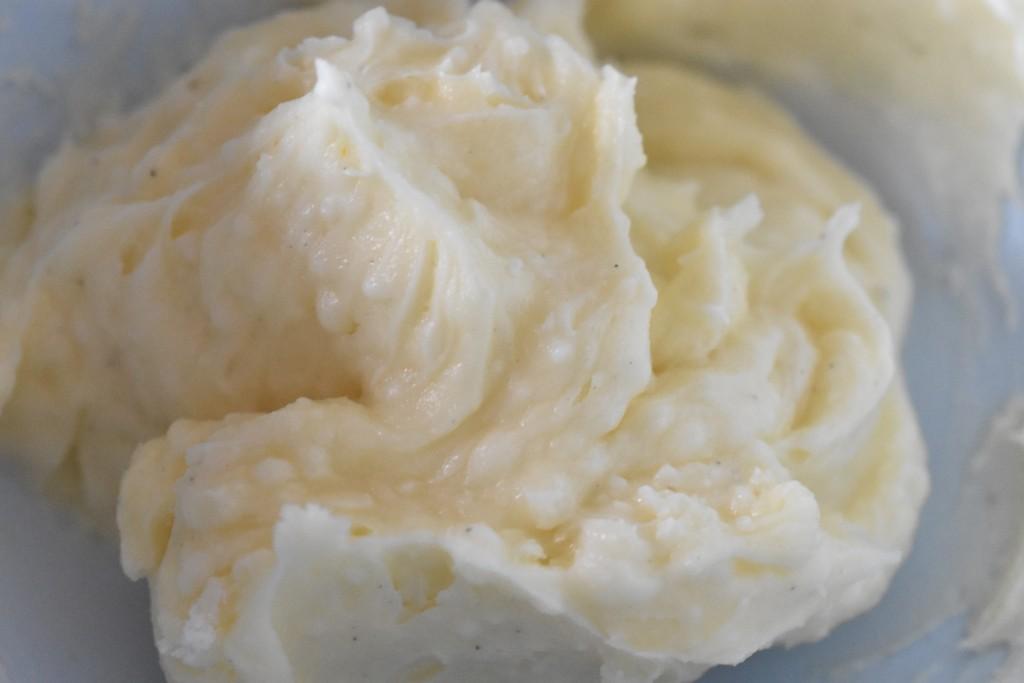 Smørcreme med citron & vanilje - nem opskrift