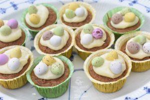 Påskemuffins - gulerodsmuffins med smørcreme
