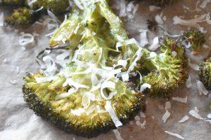 Broccoli i ovn - bagt broccoli med parmesan