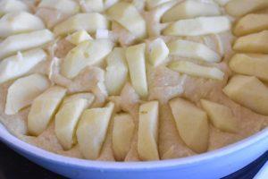Æblekage med kokosmarengs - god opskrift
