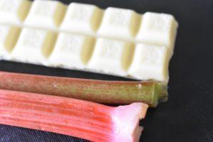 Specier med rabarber, mandler og chokolade