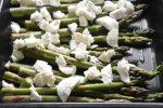 Grønne asparges med mozzarella i ovn