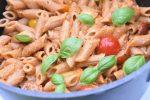 Pesto pasta med tomater - nem lækker opskrift