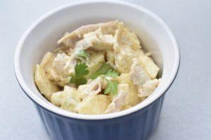 Kyllingesalat - nem opskrift med karry og æble