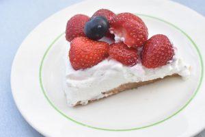 Cheesecake med kiksebund - nem ostekage opskrift