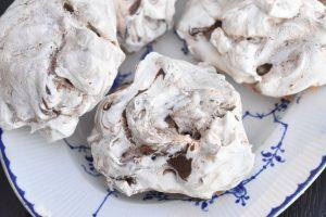 Marengs - store marengskys med chokolade